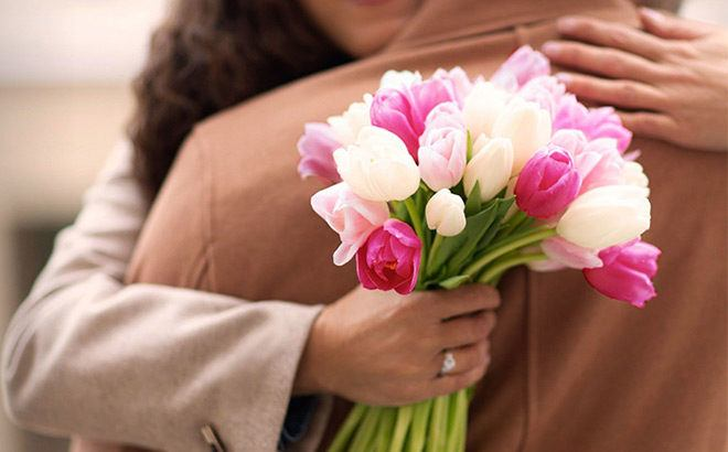 FREE Bouqs Valentine's Day Bouquet with Fandango Ticket Purchase ($40 Value!)